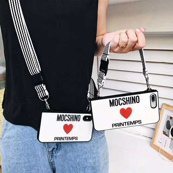 moschino iPhone Xrケース